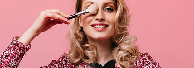 Тенденции в макияже весна-лето 2021