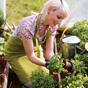 Делайте разминку между работами в огороде