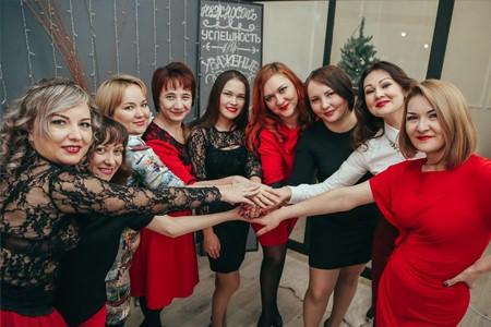 Юлия Терновская и команда