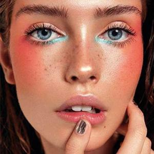 Нежные тени в макияже